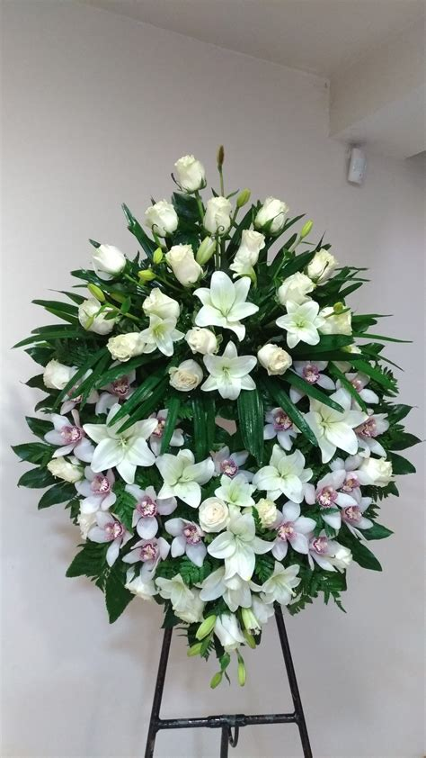 Pin by Susan Alvarez on Flowers/funeral/wedding | Funeral