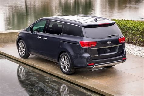 Kia Grand Carnival and Stonic on the cards for India