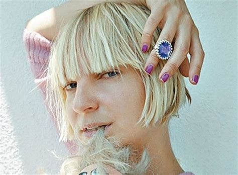 Sia weight, height and age